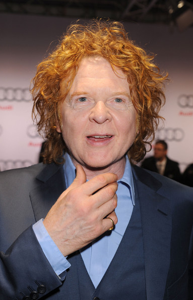 Ginger Snaps! Mick Hucknall mad as hell!